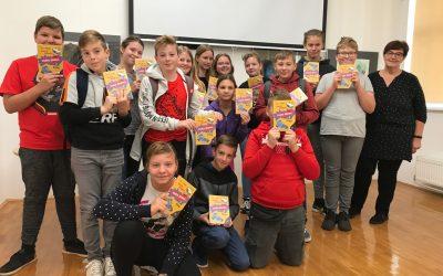 Projekt Rastem s knjigo spodbuja mlade k branju